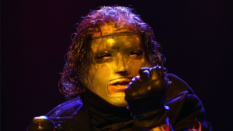 BBC News - Slipknot dethrone Ed Sheeran in UK album chart