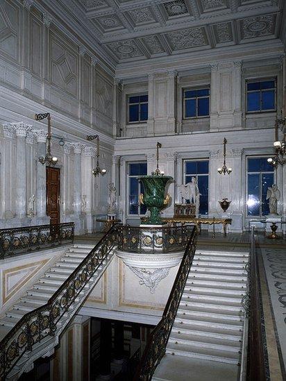 Interior del teatro Hermitage en San Petersburgo, Rusia.