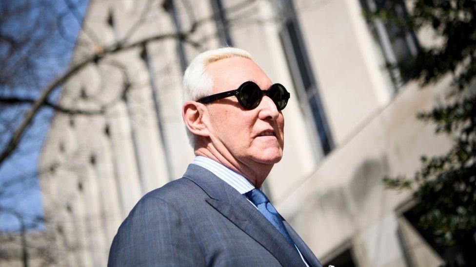 Трамп смягчил приговор своему другу и советнику Роджеру Стоуну