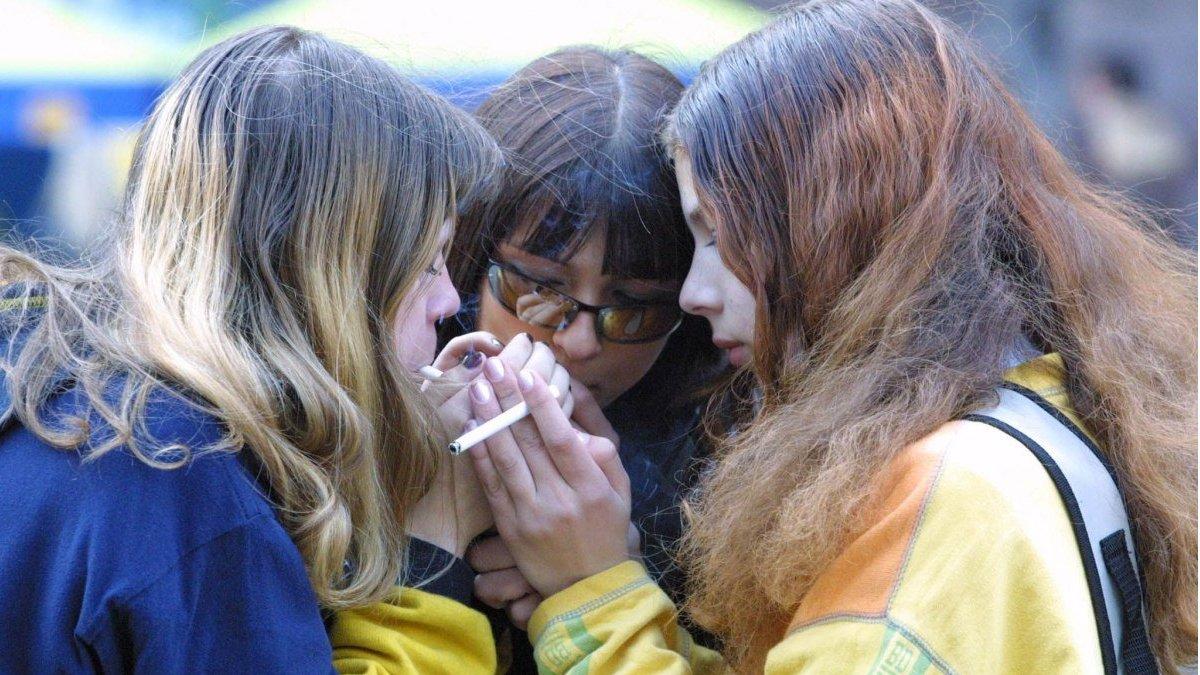 Скільки п'ють і курять підлітки в Україні - дослідження