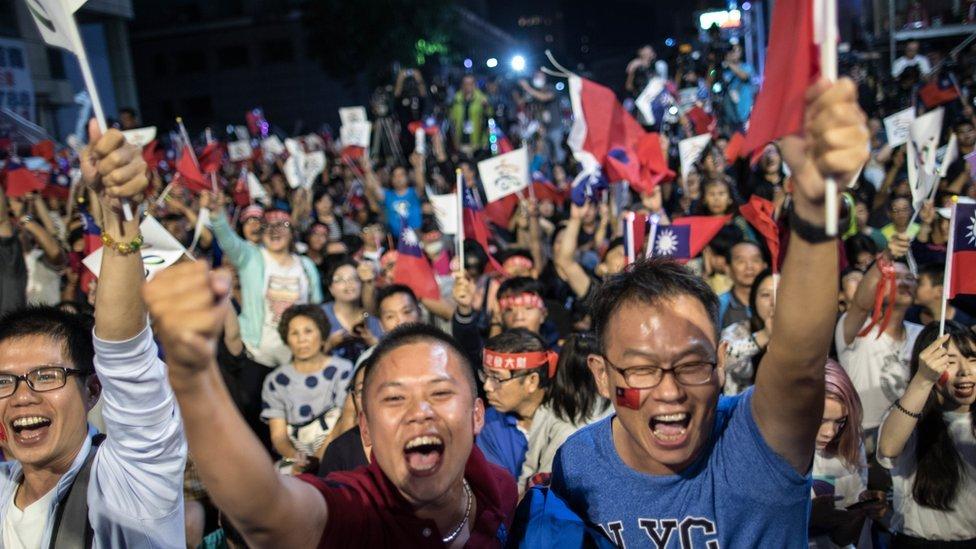 台灣今年許多法令如年改,推翻政府和民間的信賴關係
