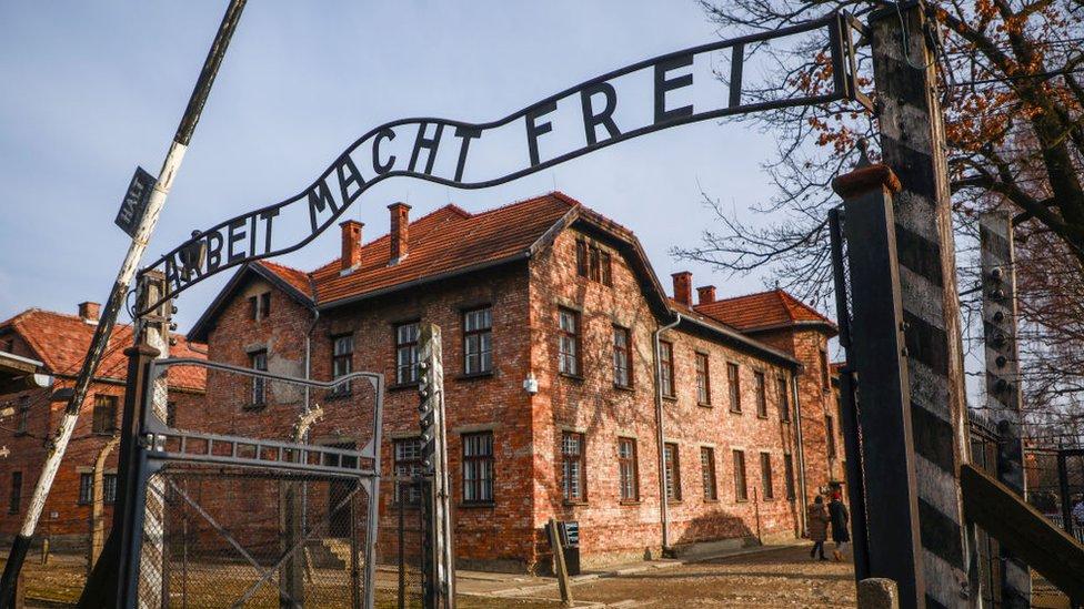 Entrada de lo que fue el campo de concentración nazi de Auschwitz.