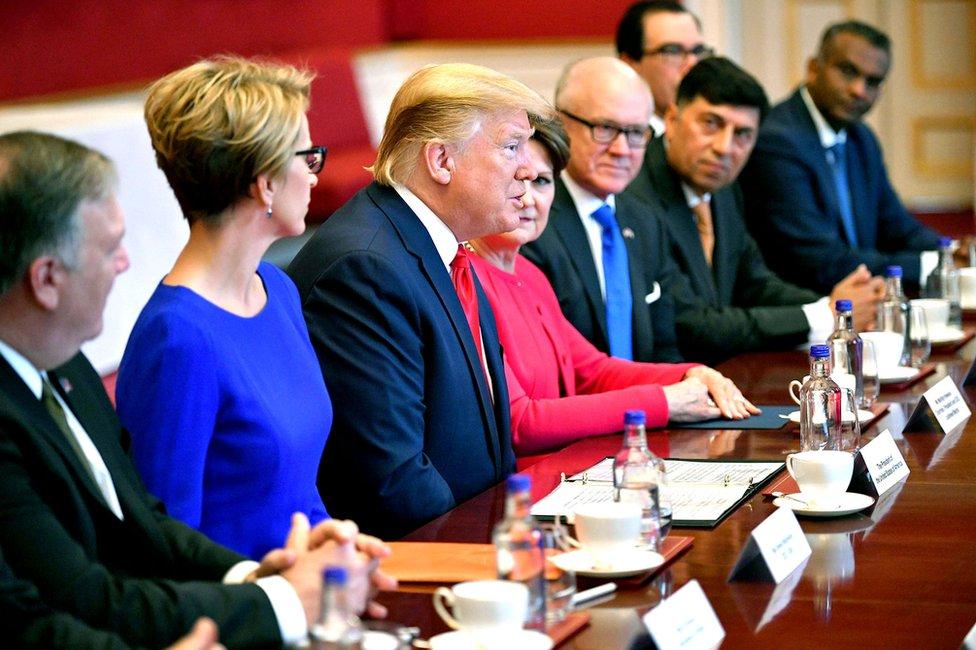 Donald Tramp na sastanku
