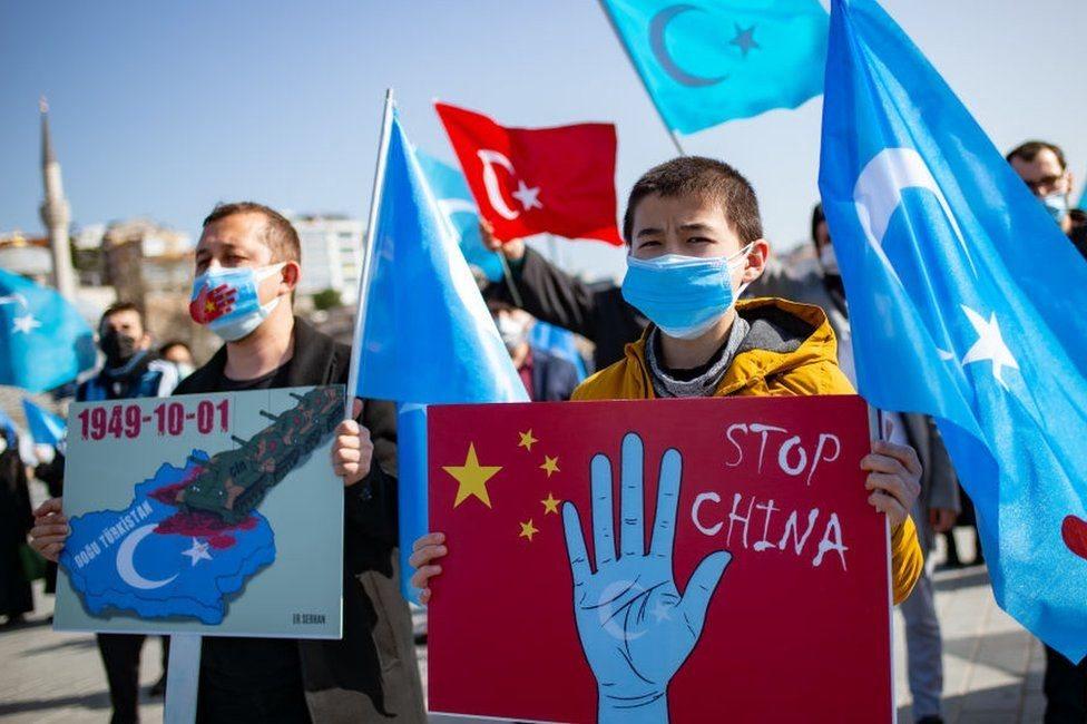 متظاهرون ينددون بقمع السلطات الصينية للأقليات المسلمة