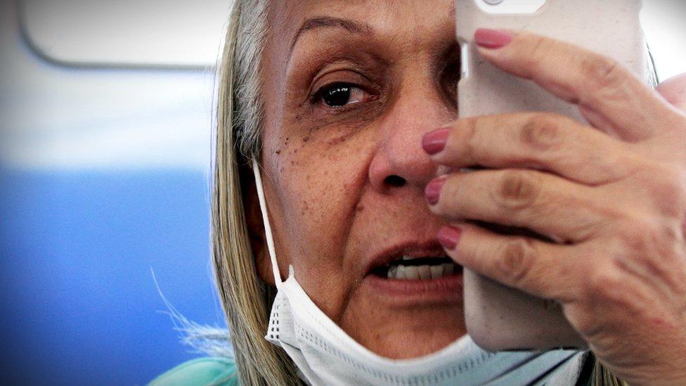 Rosario Belloso, de 65 años, intentó vías legales para venir a Estados Unidos y no prosperó. Al final se aventuró con su esposo desde Venezuela.