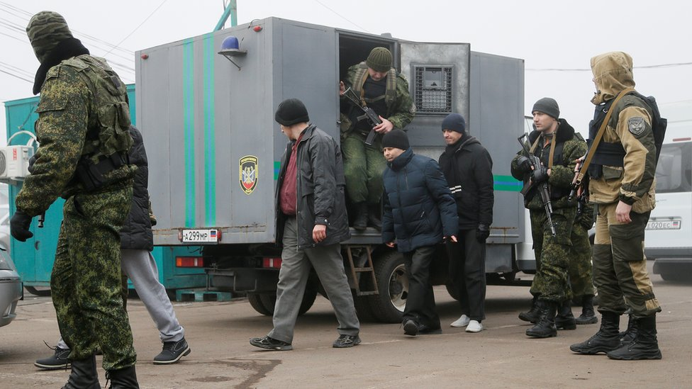 "Voronok DNR v denь obmena u KPP ""Maйorsk"""