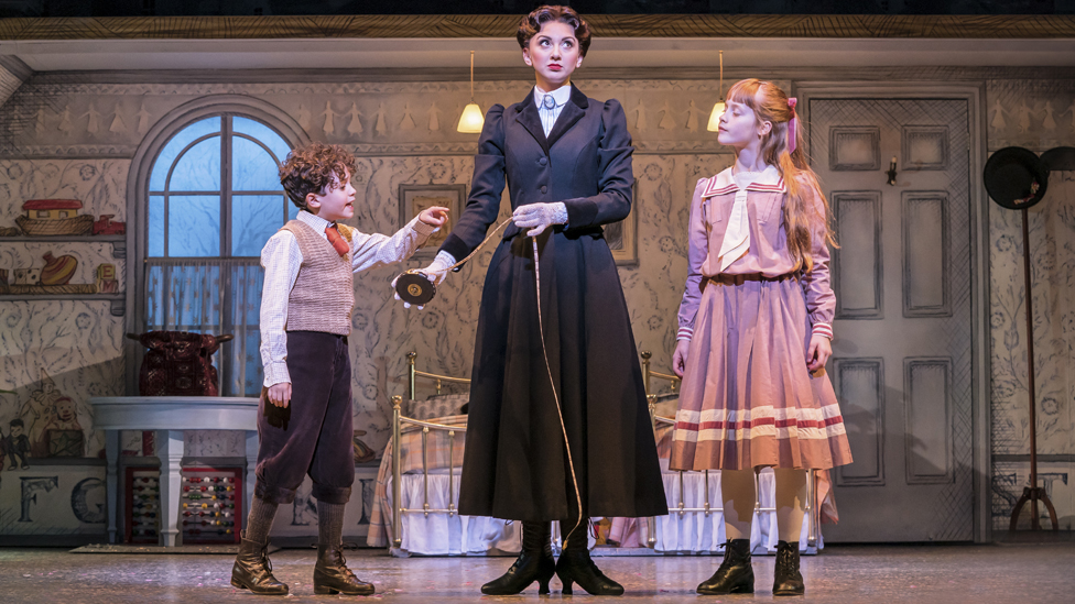 Zizi Strallen in Mary Poppins
