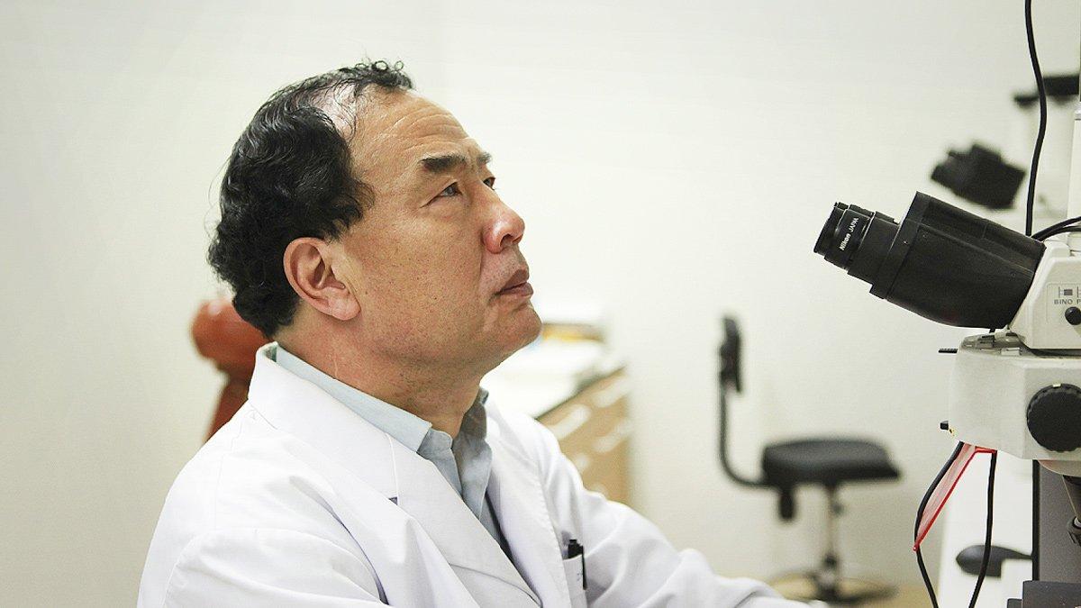 El virólogo y profesor Zhang Yongzhen