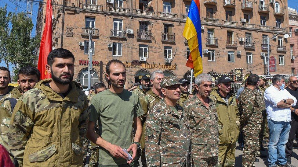 Бои в Нагорном Карабахе, военное положение в Армении и Азербайджане. Главное