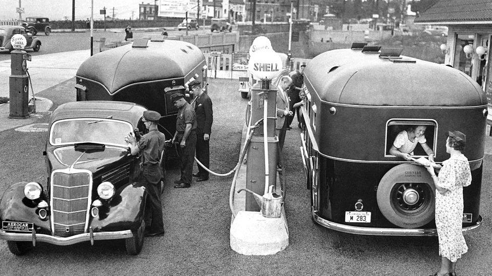 Estación de gasolina de Royal Dutch Shell.