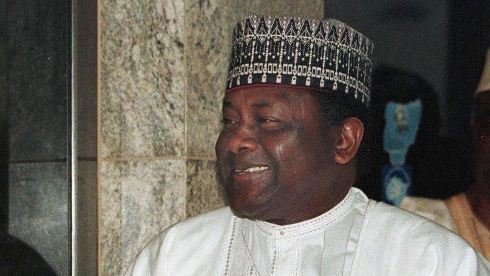 Sani Abacha em Abuja, capital da Nigéria, em março de 1998