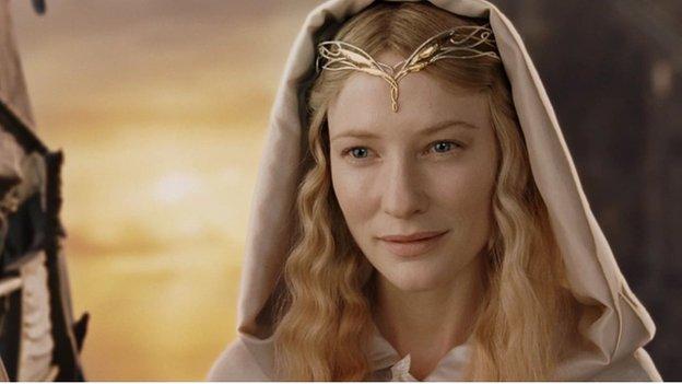 Fyddai Siân yn troi mewn cylchoedd pe bai hi'n cael bod yn Galadriel, un o gymeriadau JRR Tolkien, am y dydd?