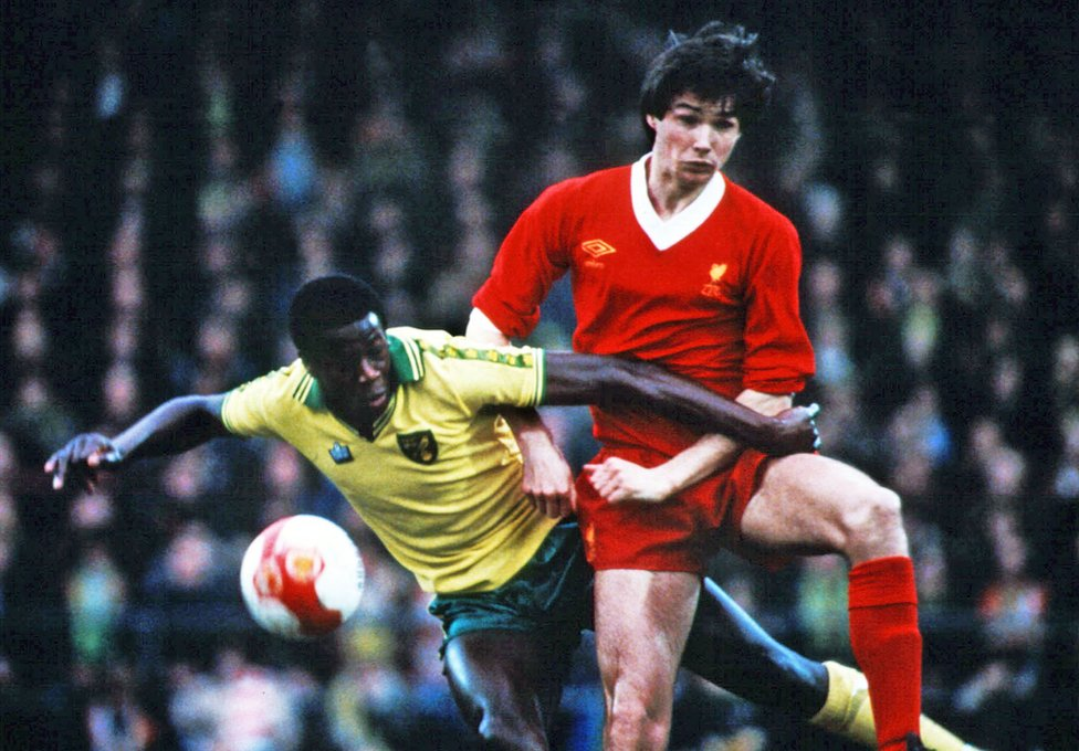 Justin Fashanu and Alan Hansen in the match between Norwich and Liverpool in 1980
