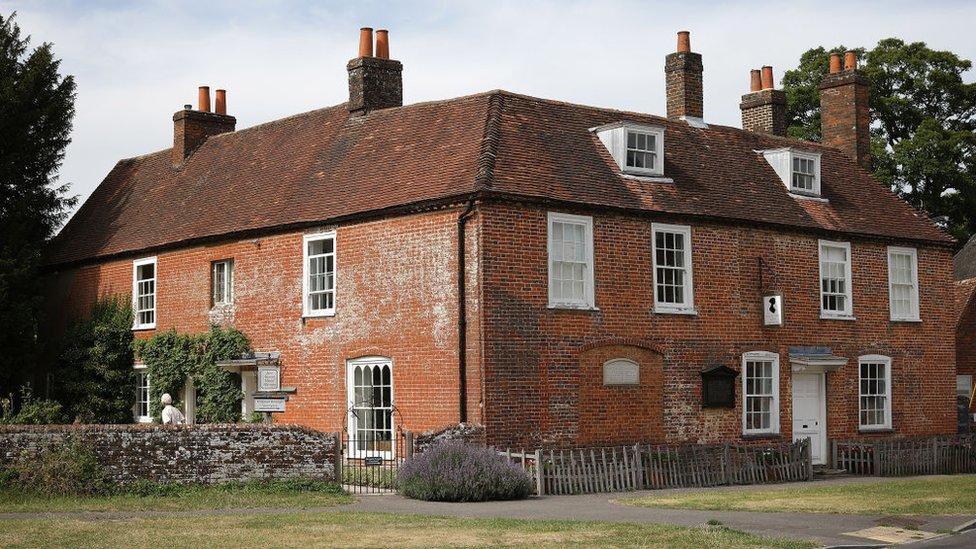 Foto de la antigua casa de la célebre escritora británica Jane Austen tomada en 2017 en Chawton, Inglaterra.