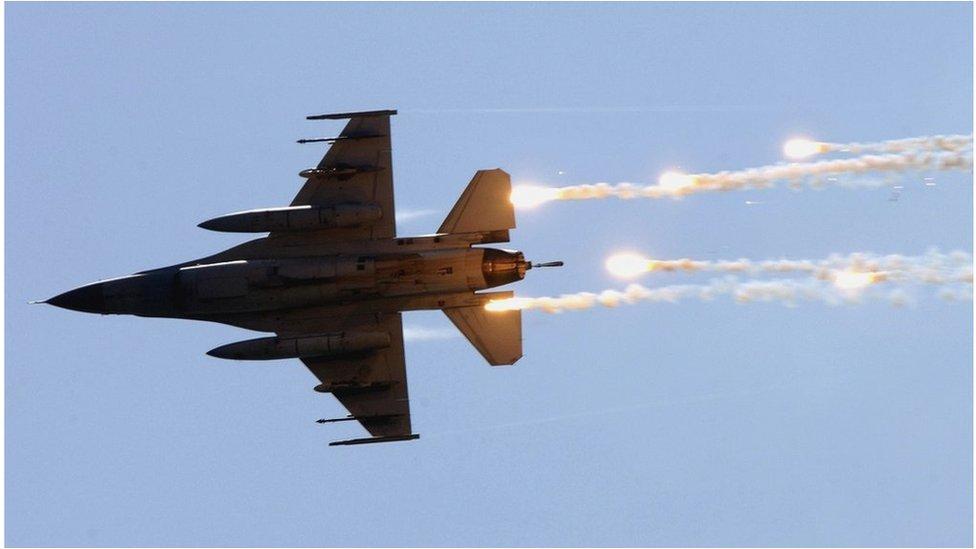 台灣空軍一架美製F-16飛機參加在台灣東部宜蘭舉行的漢光演習期間資料照片。