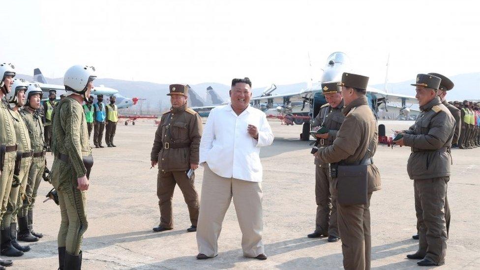 4月12日朝鮮媒體發佈的金正恩報道