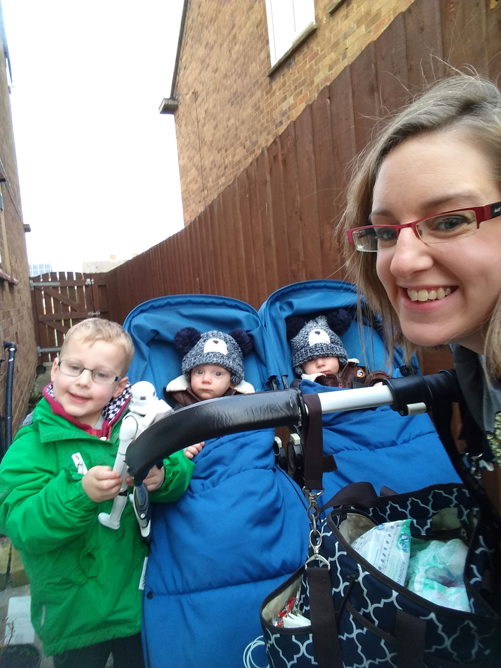 Stephanie con sus hijos Jamie, Reece y Luca