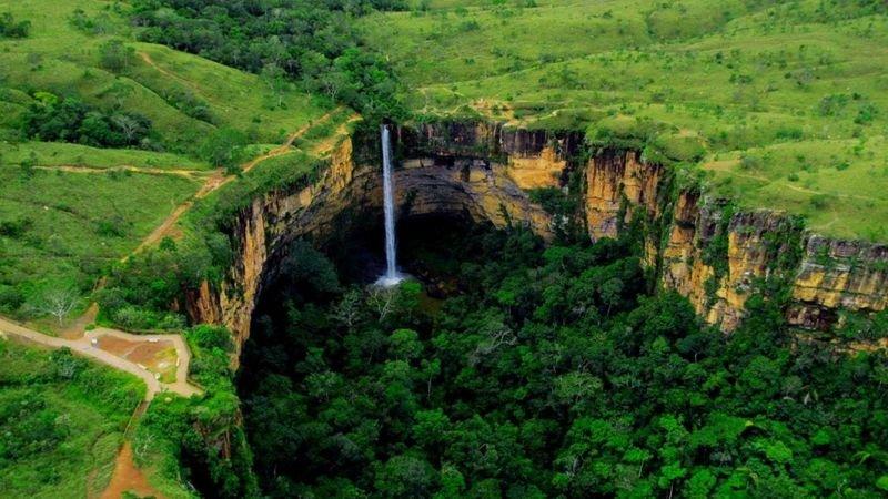 Cachoeira no Parque Nacional da Chapada dos Guimarães