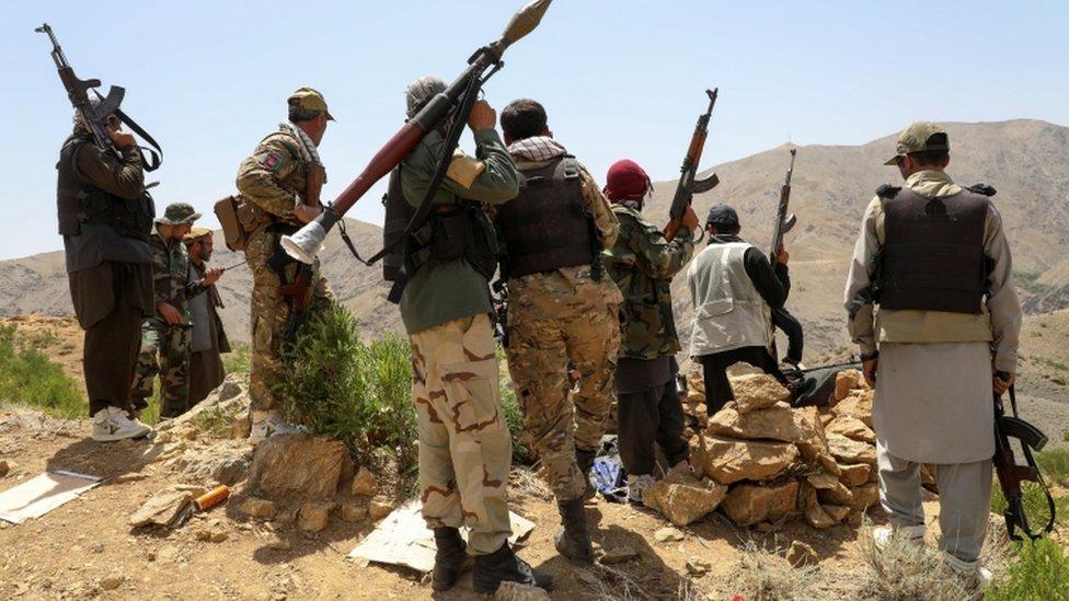 حشد الميليشيات المحلية حول قوات الأمن الأفغانية منذ انسحاب القوات الغربية