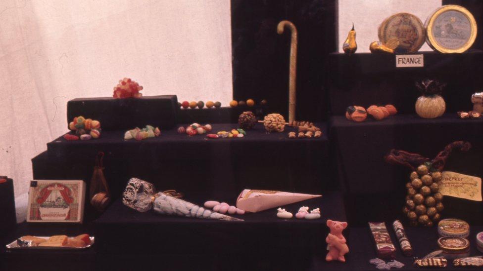 Izložba u istočnom Londonu evropskih slatkiša kao popularne umetnosti