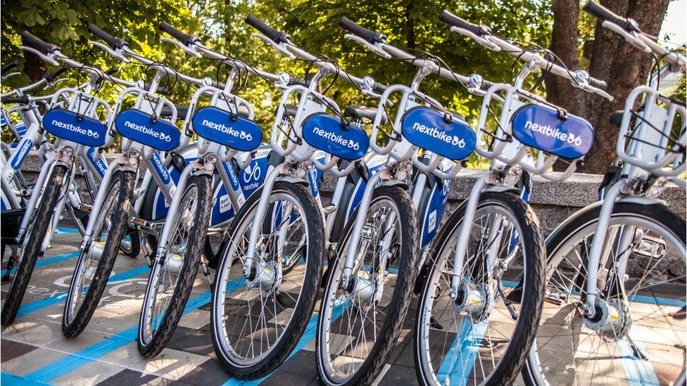 У Києві запрацювала система велопрокату: де знайти і скільки це коштує