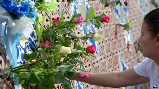Odavanje počasti žrtvama cunamija na Tajlandu