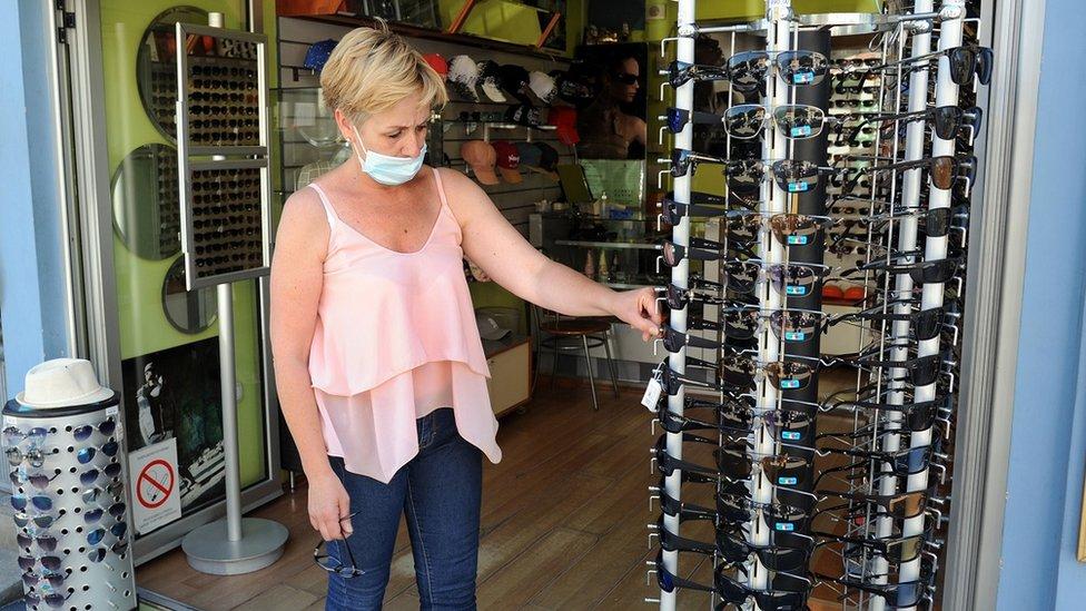 Jelena Joksić u prodavnici