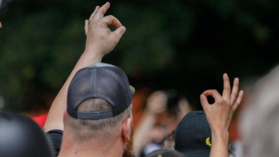 Članovi ekstremne desničarke grupe Ponosni momci na skupu u američkoj državi Oregon
