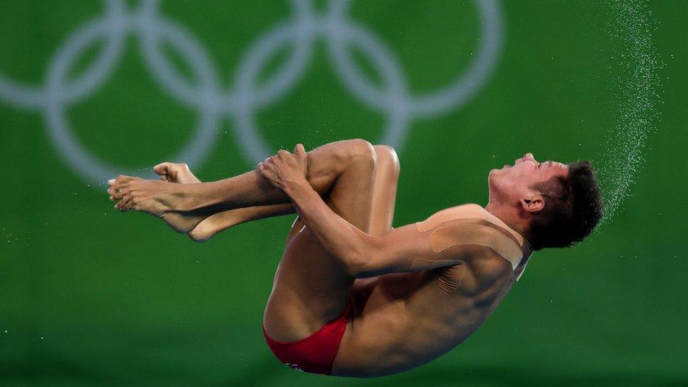 German Sánchez de México compite en la final masculina de clavados de 10 metros en plataforma de los Juegos Olímpicos de Río 2016.