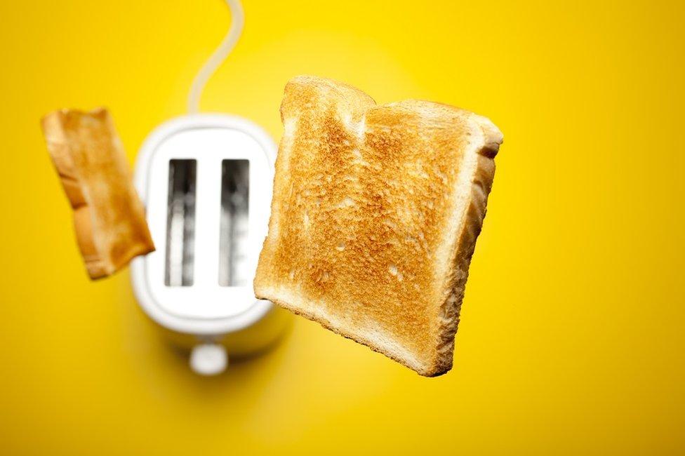 هيا حمص الخبز.