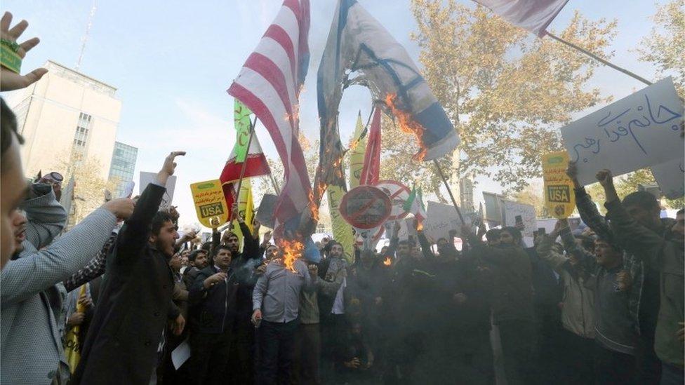 حرق العلمين الإسرائيلي والأمريكي
