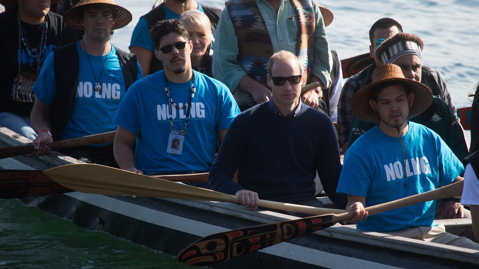 The Duke of Cambridge, paddles a canoe with members of the Haida First Nation in Haida Gwaii, British Columbia on September 30, 2016.