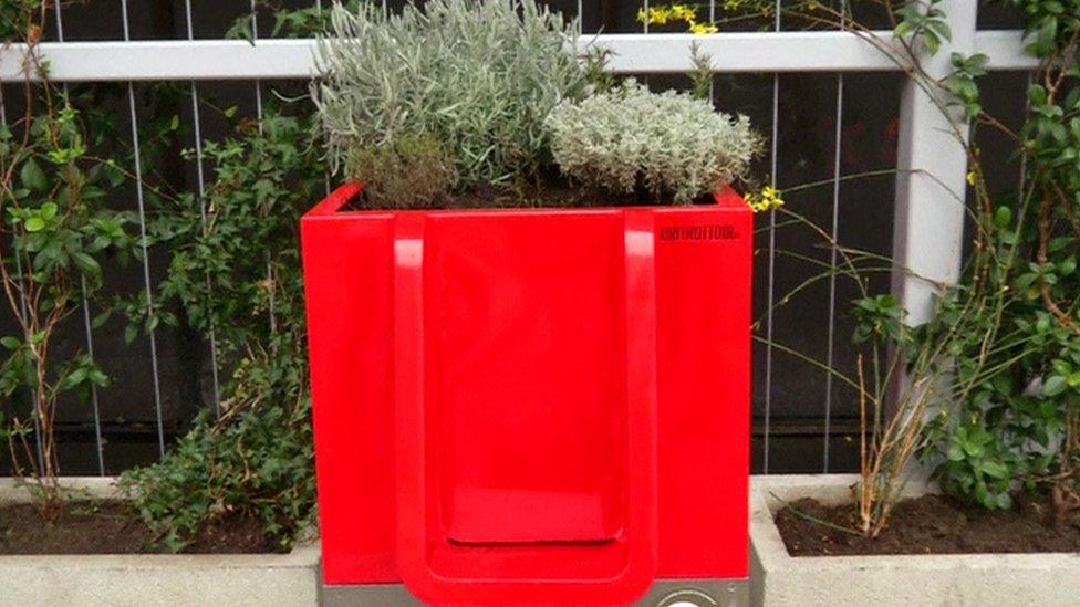 Compost urinal near Gare de Lyon station in Paris