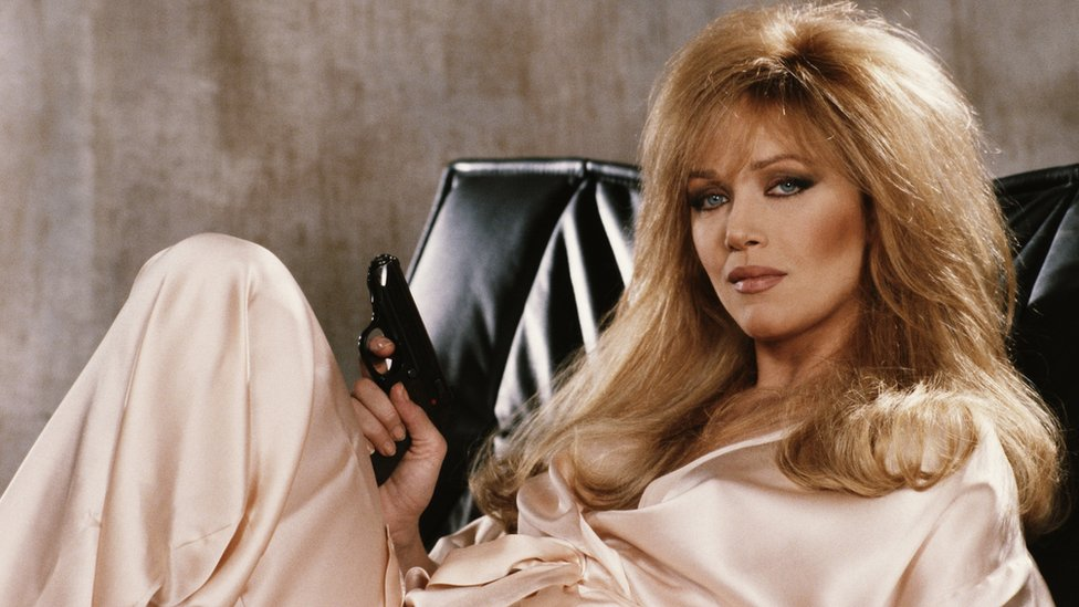 Tanya Roberts: Bond girl and Charlie's Angel still alive, agent says thumbnail