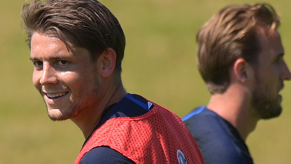 Tarkowski leaves England camp for hernia surgery
