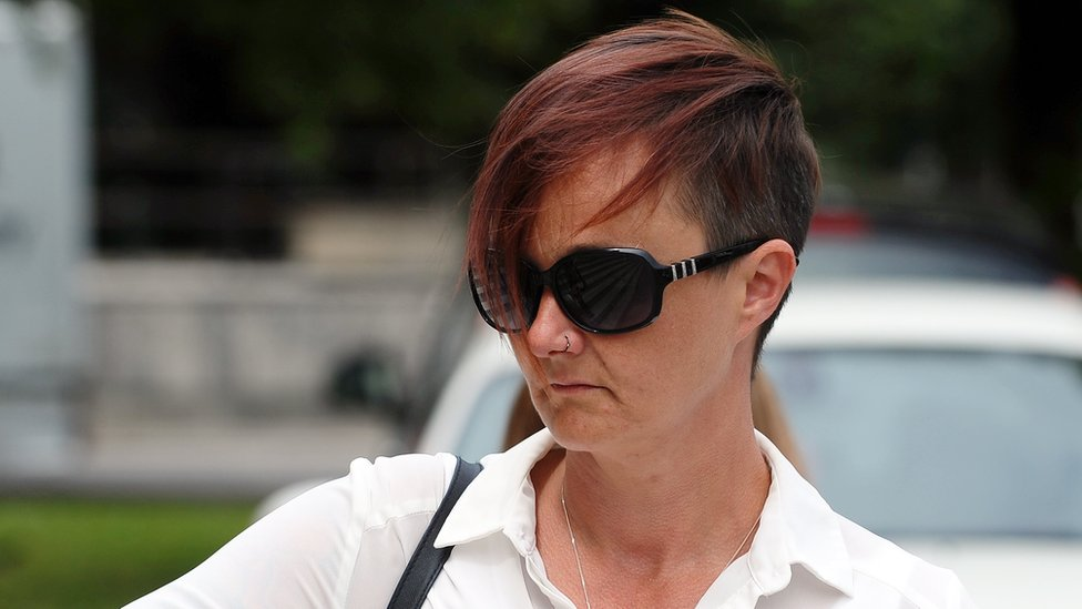 Parc prison officer's 'romantic letters' to inmate