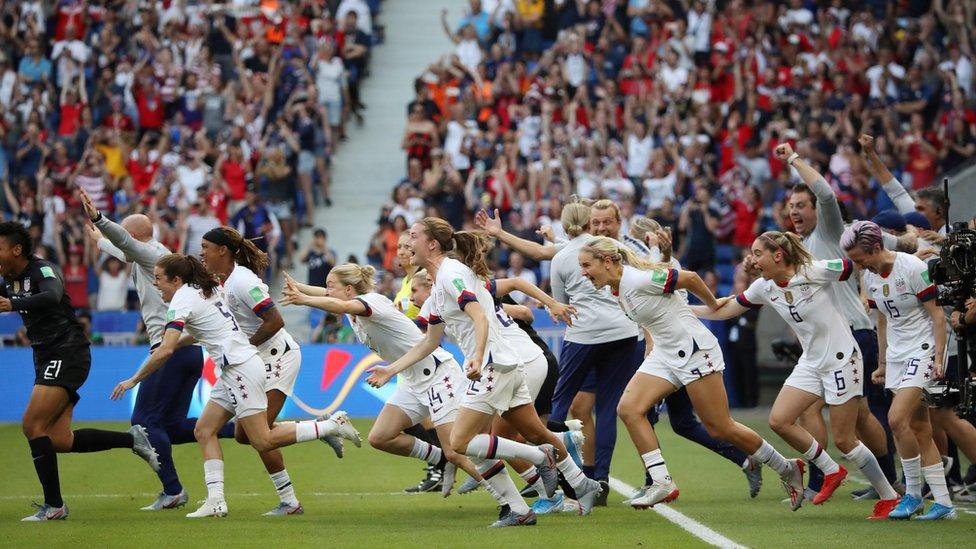 الفريق الأمريكي لكرة القدم النسائية