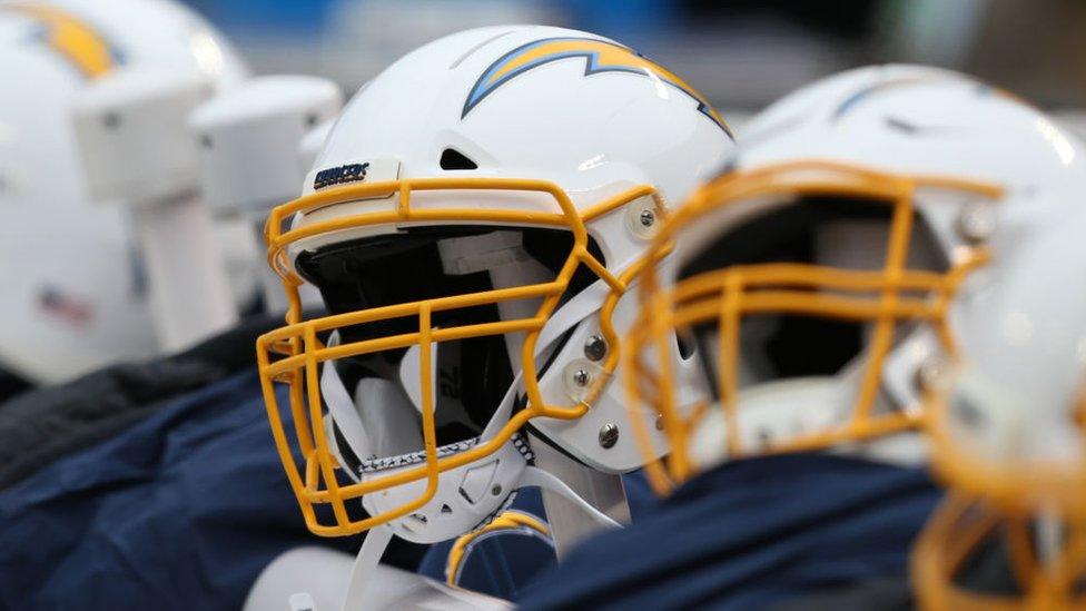 La NFL creó un fondo para financiar el desarrollo de cascos más seguros para los jugadores.