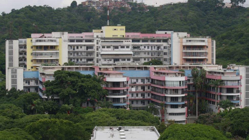 Fachada del Hospital Universitario.