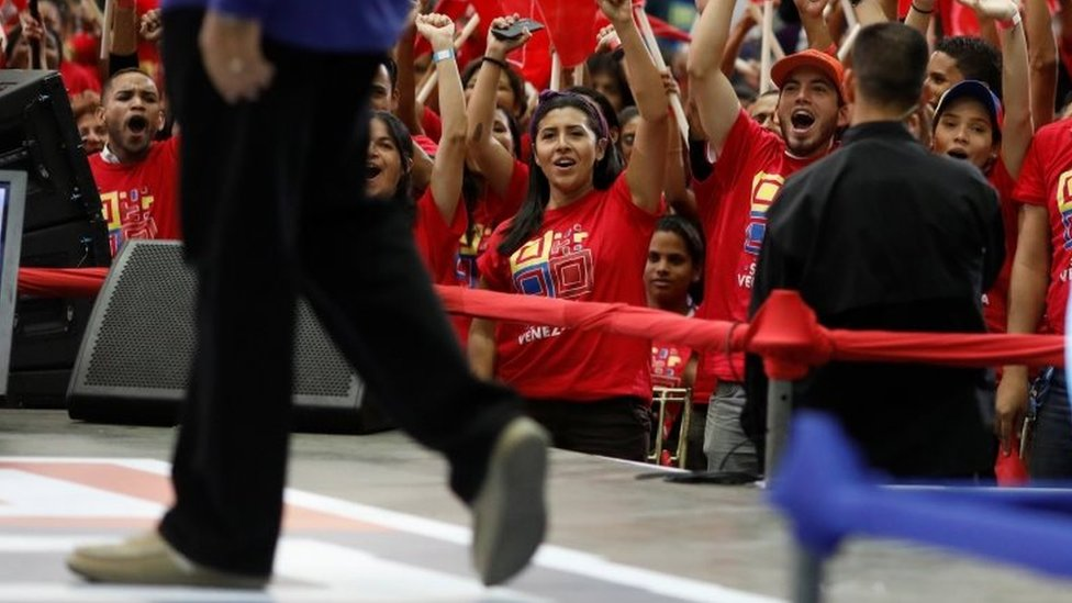 Supporters of Somos Venezuela (We are Venezuela) movement cheer on Venezuela's President Nicolas Maduro during an event in Caracas, Venezuela February 7, 2018.
