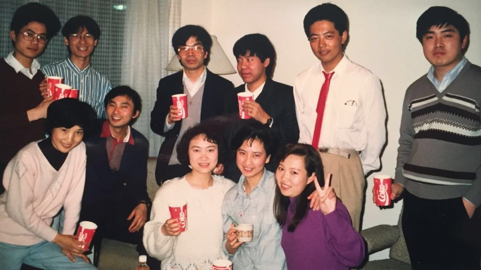 A group of Chinese students including my father, Cong Hui Mao, at a party in Sydney in 1989
