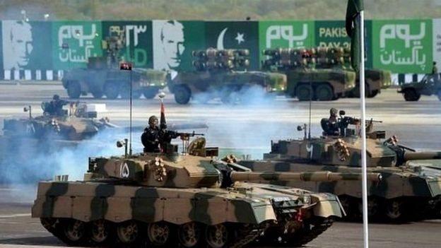 पाकिस्तानी सेना को अमरीका से मदद मिलती रही है