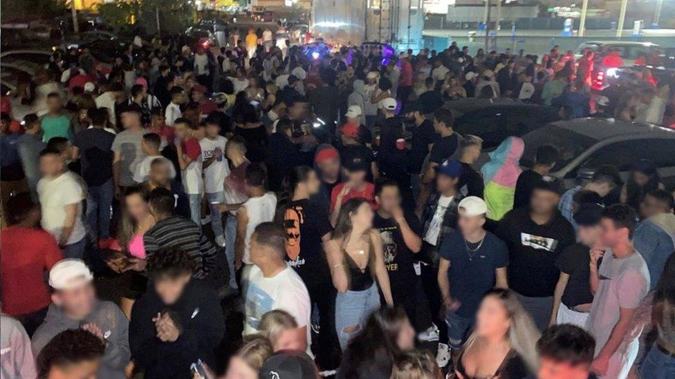 Festa clandestina nos EUA