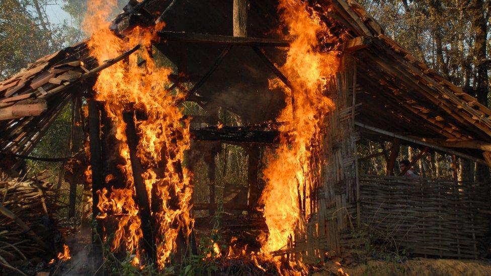Rumah pengikut Syiah Sampang dibakar massa delapan tahun lalu di Sampang Madura.