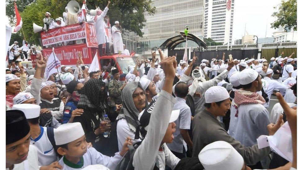 Demo PA 212 2 November, Aksi Bela Nabi Muhammad
