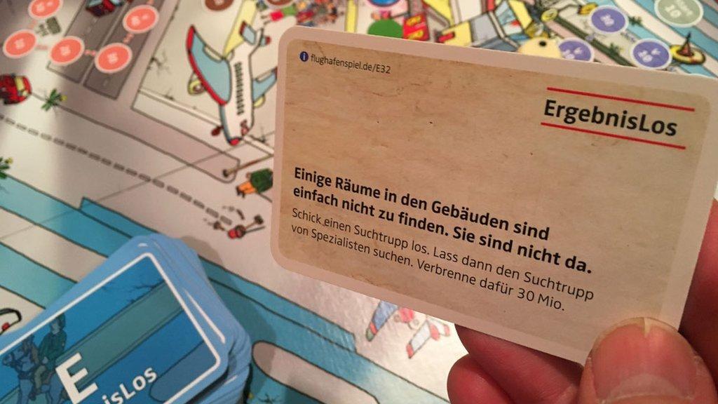 Philipp Messinger y Bastian Ignaszewski inventaron un juego de mesa basado en el desastre del aeropuerto de Berlín.