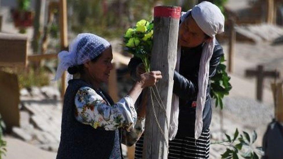 سيدتان من مسلمي الإيغور