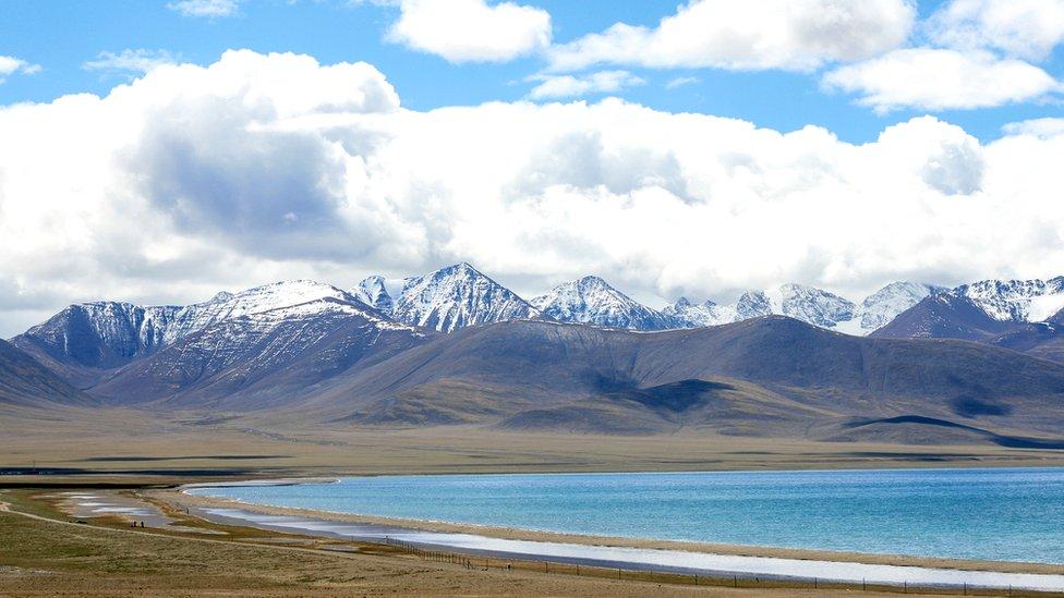 La meseta tibetana en la parte china es una de las mayores reservas de agua del país.