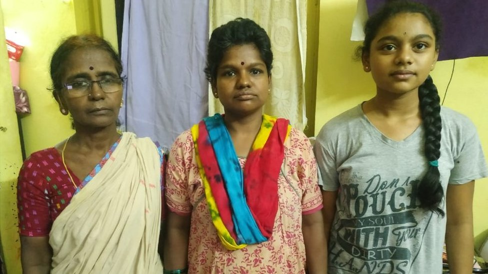 G.Sunitha (centre) with her mother (L) and daughter (R)