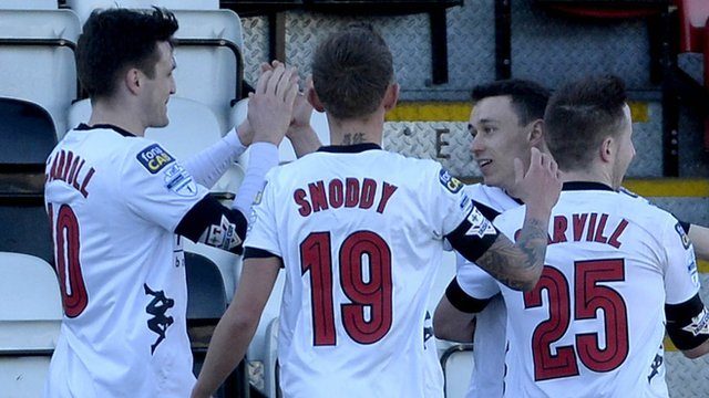 Crusaders knock Carrick Rangers out of the Irish Cup
